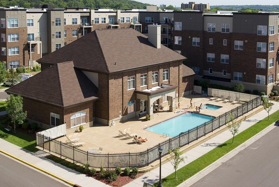 River Crossing Apartments & Townhomes