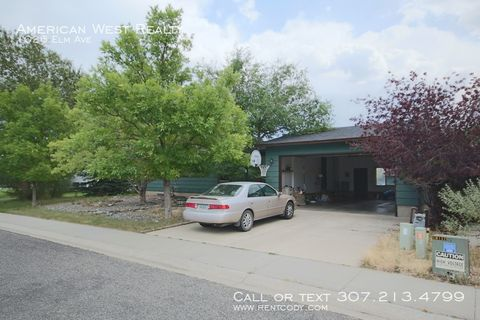 Photo of 1026 Elm Ave, Cody, WY 82414