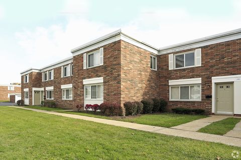 Photo of 4761 Walford Rd, Warrensville Heights, OH 44128