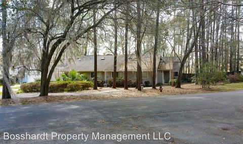 525 Nw 39th Dr, Gainesville, FL 32607