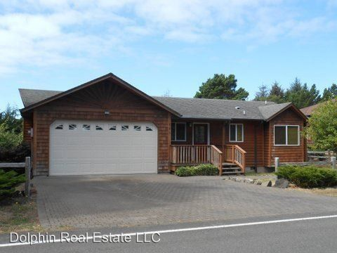 Photo of 645 Sw Range Dr, Waldport, OR 97394