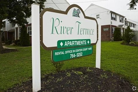 Photo of 700 Arndt Ave, Riverside, NJ 08075