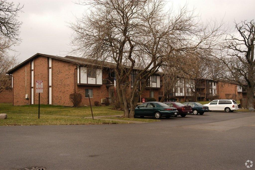4502 4518 Garden Quarter Rd, Mchenry, IL 60050