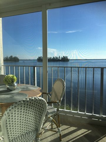 Photo Of 5926 River Run Dr Sebastian Fl 32958 Apartment For Rent