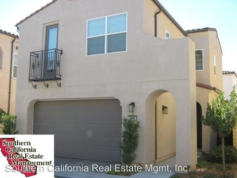 21883 Moveo Dr, Saugus, CA 91350