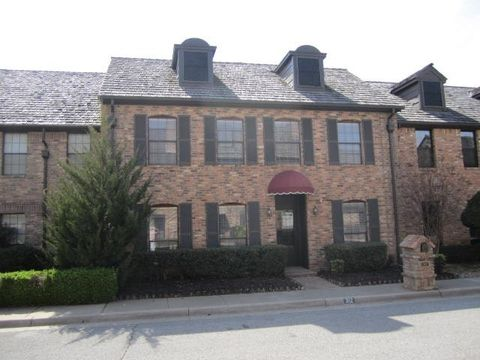 Photo of 312 Stonehaven Dr, Norman, OK 73072