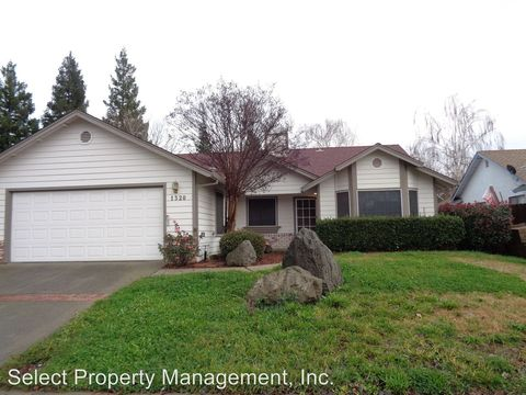 1320 Tradewind Dr, Yuba City, CA 95991