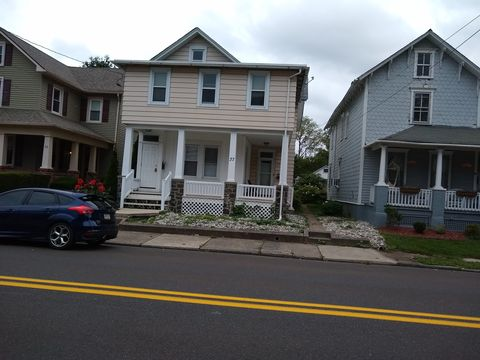 Photo of 37 N Hellertown Ave, Quakertown, PA 18951