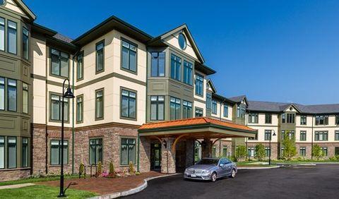Photo of 200 Estate Dr, Chestnut Hill, MA 02467