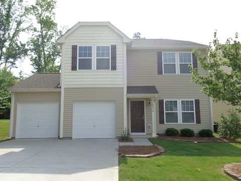Photo of 10216 Daniel Dwayne Dr, Charlotte, NC 28214