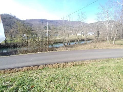 Photo of 265 Andys Ridge Rd, Rocky Top, TN 37769