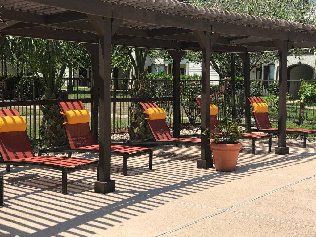 La Mansion Luxury Apartment Homes 2700 Fm 802 Apartment For Rent