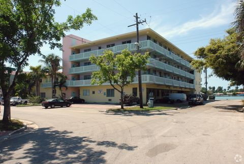 Photo of 1006 Bay Dr, Miami Beach, FL 33141