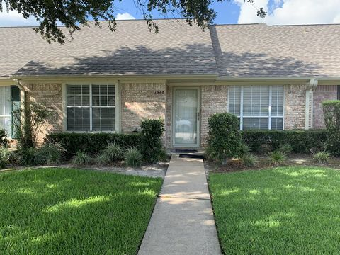 Photo of 7986 Pecan Dr, Beaumont, TX 77713