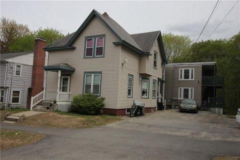 28 Davis Ave Apt 2, Auburn, ME 04210