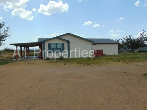 6880 Windmill Rd, Skull Valley, AZ 86338
