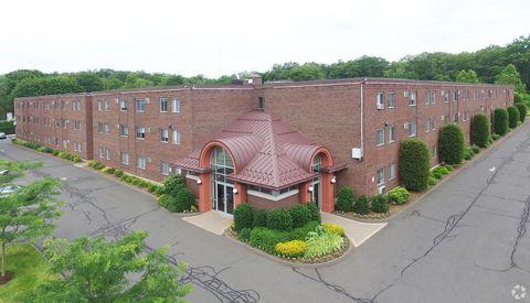 Photo of 950 Farmington Ave, New Britain, CT 06053