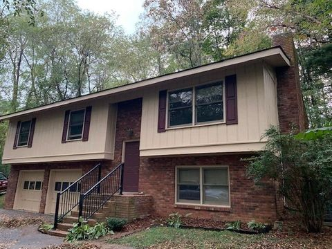 Photo of 66 Morningside Dr, Clyde, NC 28721
