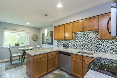 Photo of 50 Woodside Rd Apt 15, Ardmore, PA 19003