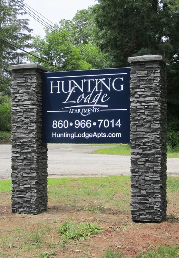 Hunting Lodge Apartments