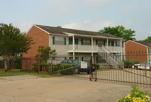 Photo of 4049 N West St, Jackson, MS 39206
