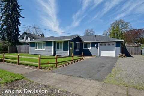 380 W Fairfield St, Gladstone, OR 97027
