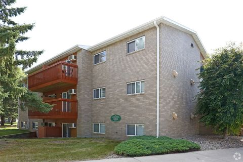 300 South St Apt 302, Morris, MN 56267
