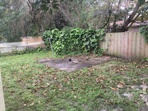 Photo of 2612 Ne 206th St, Miami, FL 33180