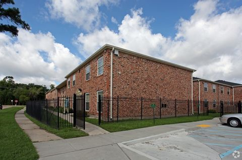Photo of 3708 Garden Oaks Dr, New Orleans, LA 70114