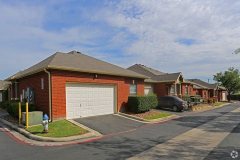 Photo of 1231 Huisache Ave, New Braunfels, TX 78130