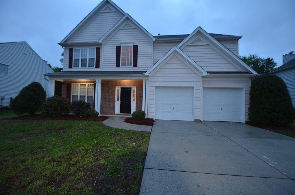 5826 Crimson Oak Ct, Harrisburg, NC 28075