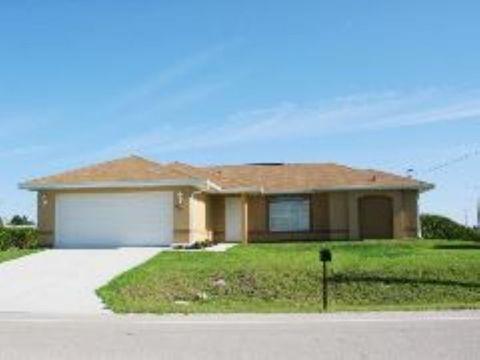 2910 23rd St Sw, Lehigh Acres, FL 33976