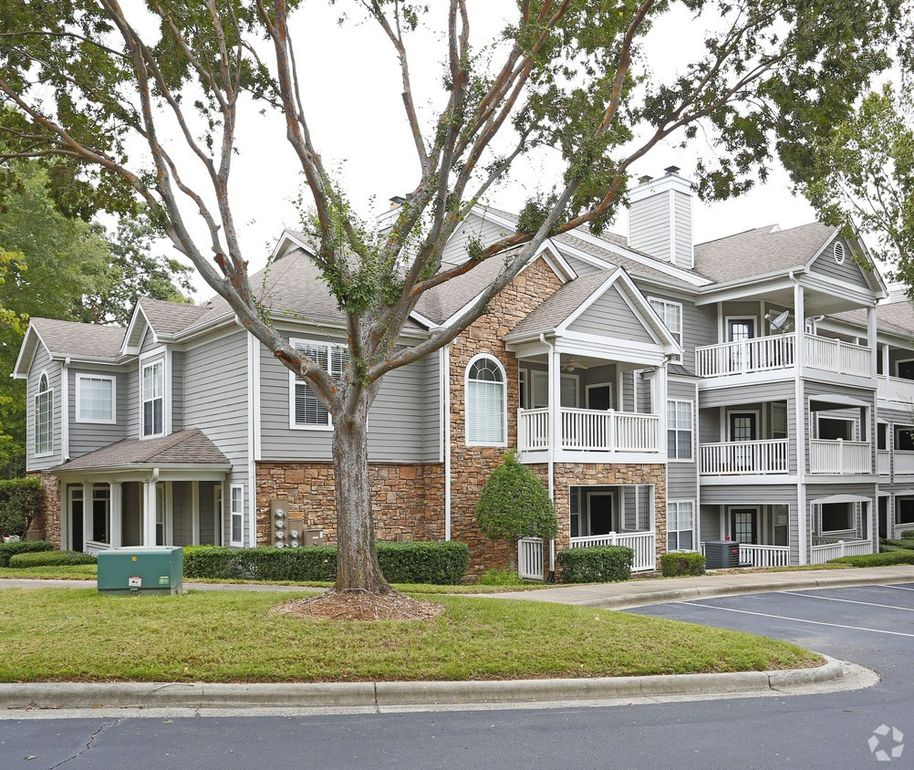 Excellent 2305 New England St Charlotte Nc 28269 Download Free Architecture Designs Embacsunscenecom