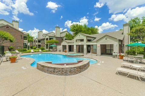 Photo of 301 N Joe Wilson Rd, Cedar Hill, TX 75104
