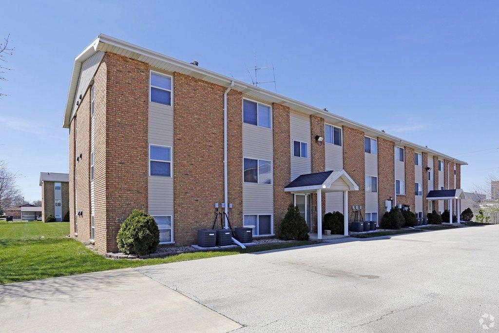 Arcadia Apartments Bloomington Il