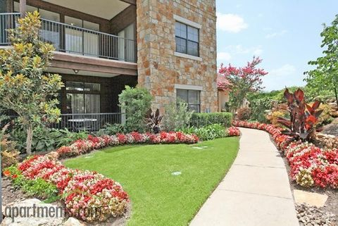 Photo of 25 Waters Edge Cir, Georgetown, TX 78626