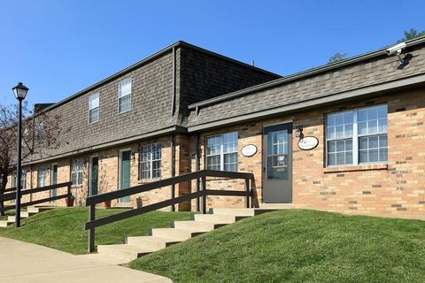 Photo of 2350 Glenview Way, Coshocton, OH 43812