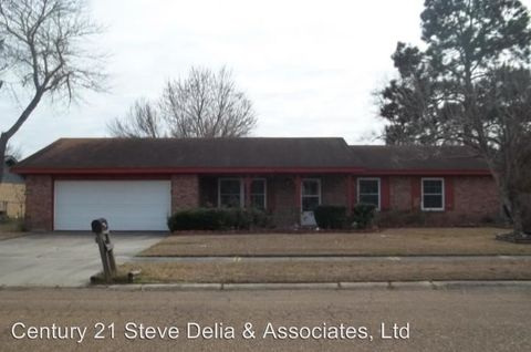 1605 Plough St, Deridder, LA 70634