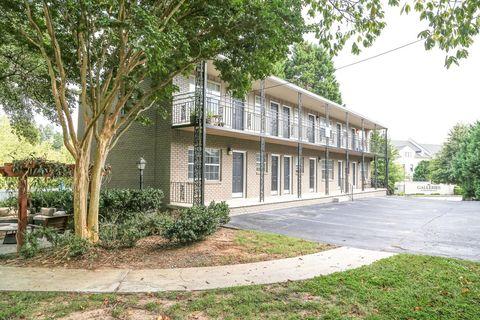 Photo of 480 Ne Peachtree Hills Ave, Atlanta, GA 30305