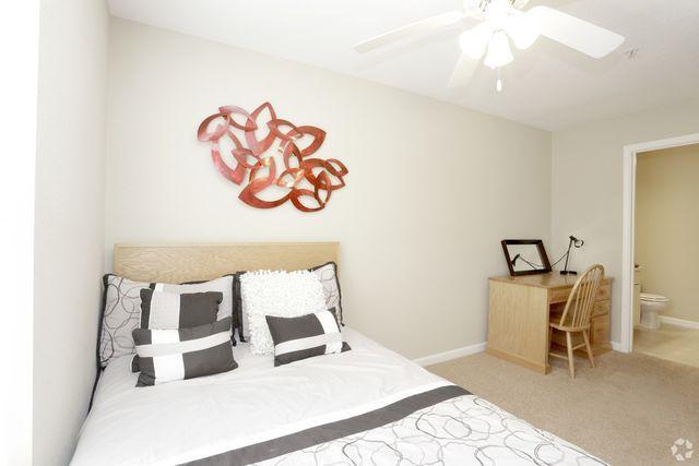 9 Traders Cir  Normal  IL 61761404 E Vernon Ave  Normal  IL 61761   realtor com . 3 Bedroom House For Rent Normal Il. Home Design Ideas