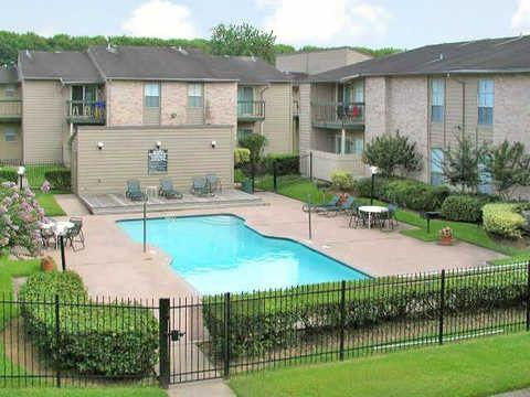2901 Airport Ave, Rosenberg, TX 77471 - realtor.com®