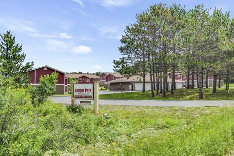 2338 Rice Lake Rd, Duluth, MN 55811