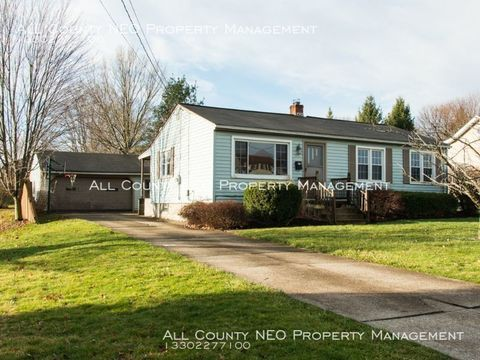 Photo of 466 Como St, Struthers, OH 44471