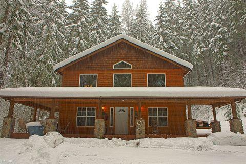 17002 Mountainside Dr E, Greenwater, WA 98022