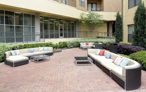 Photo of 2222 Medical District Dr, Dallas, TX 75235