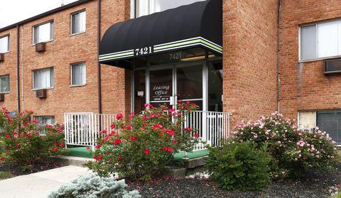 Photo of 7421-7427 Montgomery Rd, Cincinnati, OH 45236