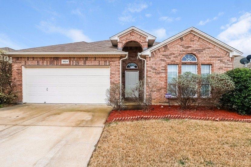 3824 Summersville Ln, Fort Worth, TX 76244