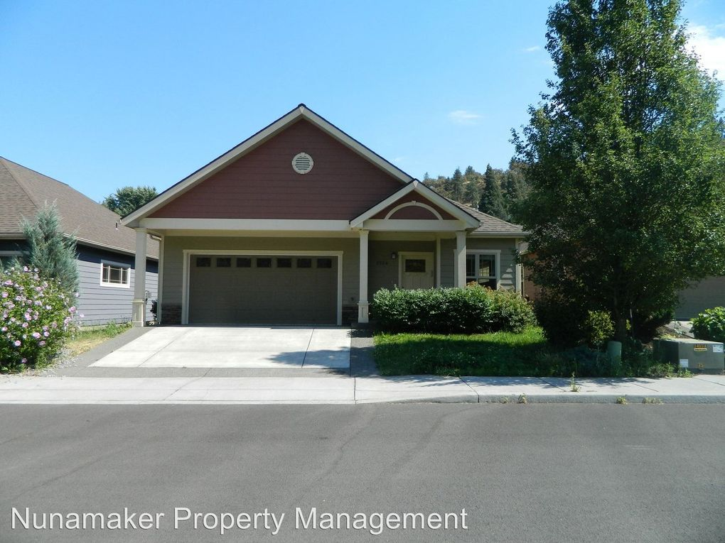 2524 Wright St, The Dalles, OR 97058