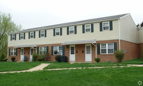 Photo of 422 Meadow Dr, Camp Hill, PA 17011