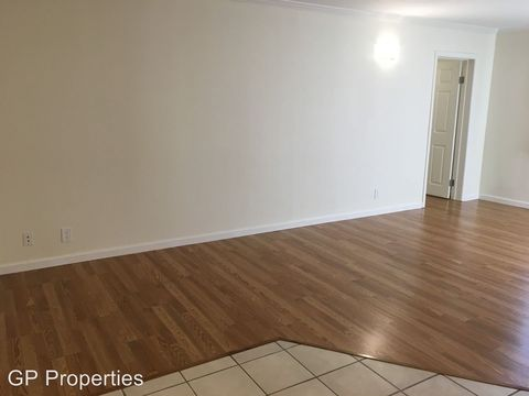 Photo of 1720 12th Ave, Oakland, CA 94606